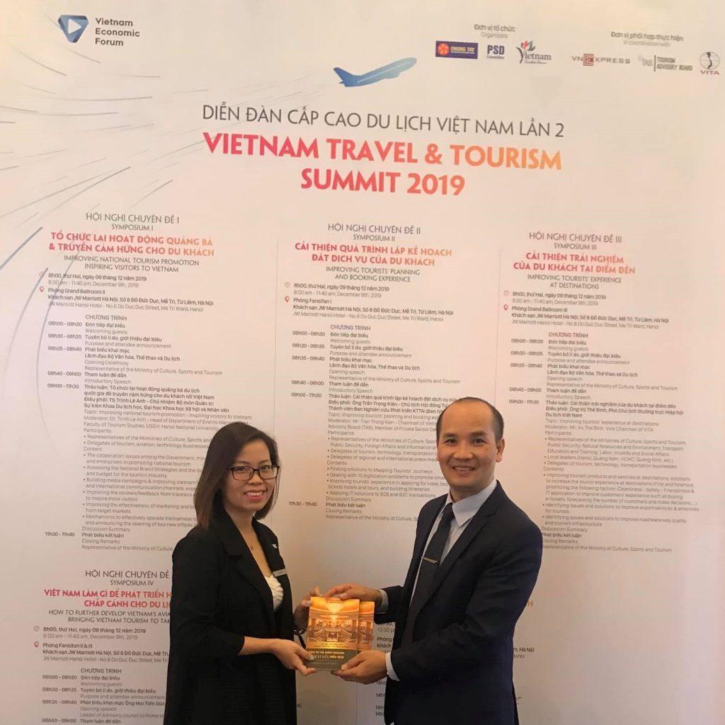 Sách dành cho các nhà tuyển dụng đào tạo nghề du lịch vtos, tổ chức setup khách sạn chuyên nghiệp